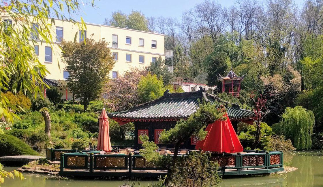 Pagoden-Cafe im asiatischen Garten